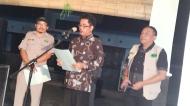 Pengukuhan oleh Pak Camat Drs. Sigit Subroto